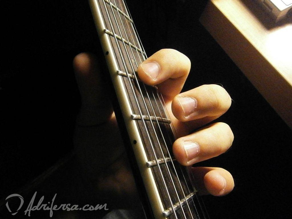 afinar usando armónicos natruales - afinar la cuerda tres